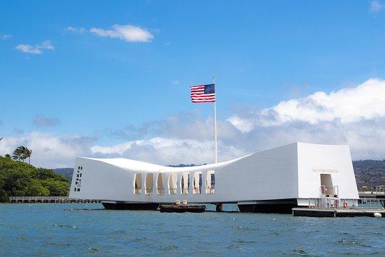 Pearl Harbor Tours >> Pearl Harbor Uss Arizona And Honolulu City Tour
