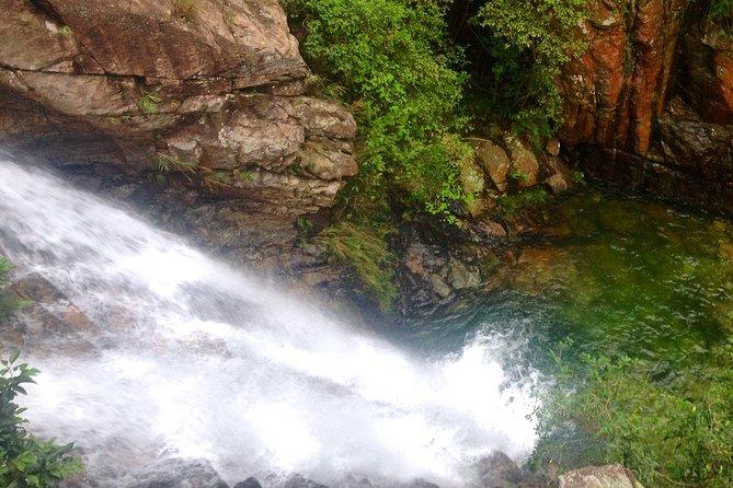 Three Dragon Gorge River Walking Tour