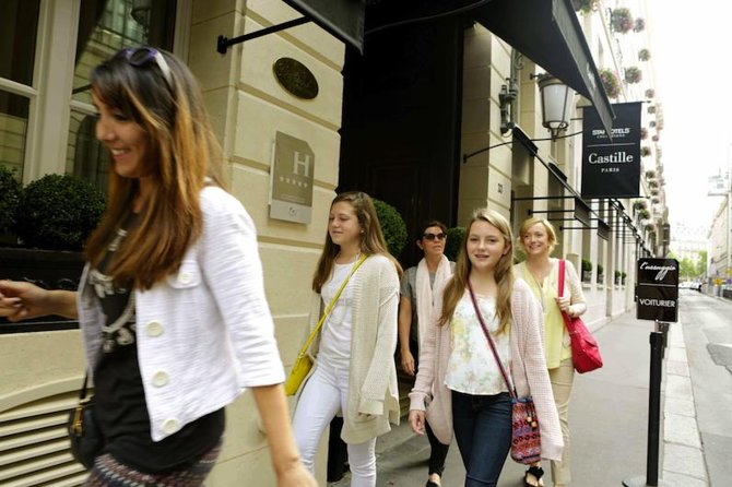Private Shopping Walking Tour for Teenage Girls in Paris