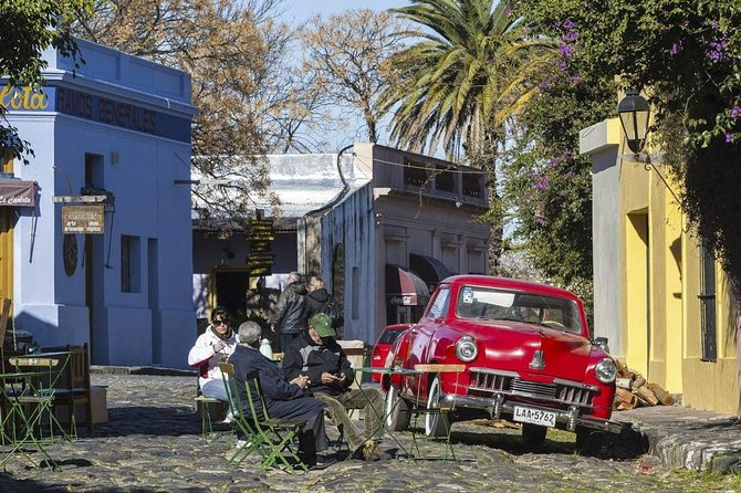 Small-Group Day Trip to Colonia from Buenos Aires