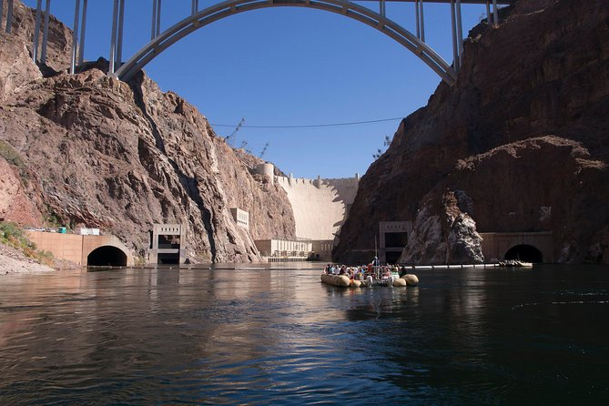 3-Hour Black Canyon Tour by Motorized Raft with Optional Transport