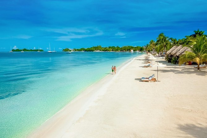 Private Highlights of Negril Tour with Sightseeing & Rick's Cafe Cliff Diving