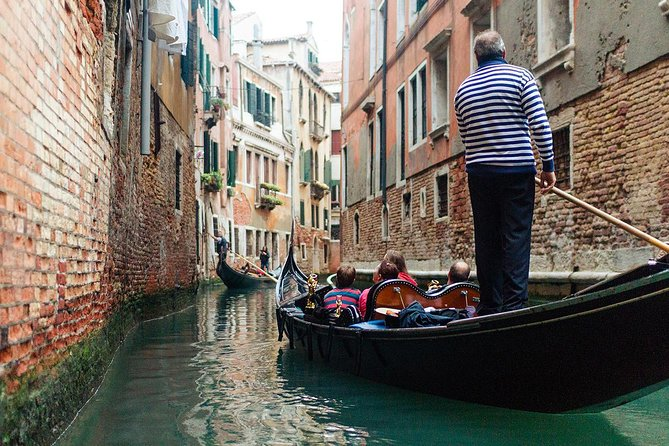 Welcome to Venice Small Group or Private Tour: Basilica San Marco & Gondola Ride