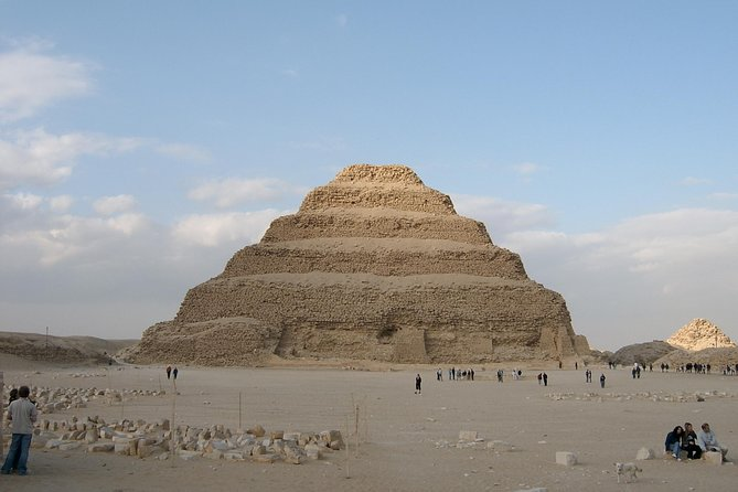Private Guided Day-Tour to Giza and Saqqara Pyramids including Lunch from Cairo