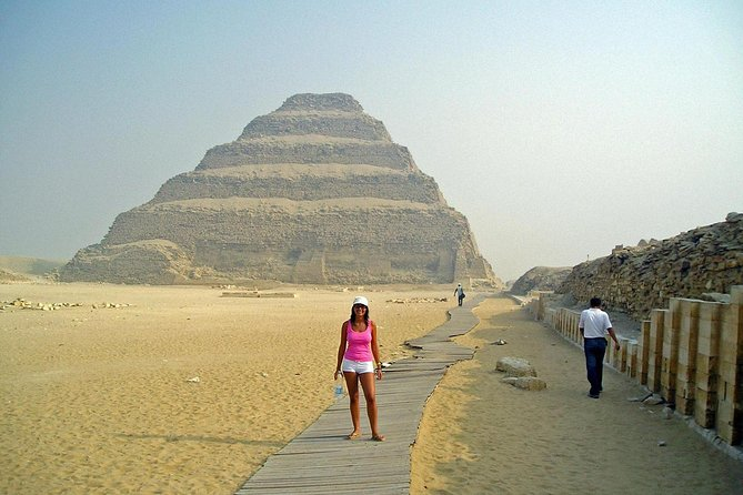 Hurghada Cairo Private Day Trip with Giza Pyramids, Sphinx, and Sakkara