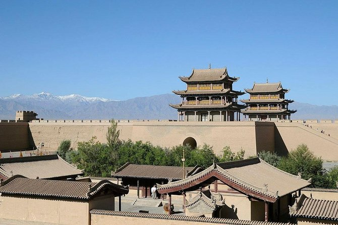 Private Day Tour: Jiayuguan Pass, Overhanging Great Wall, Wei and Jin Tomb
