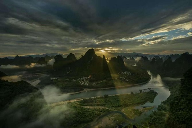 Full/Half-Day Yangshuo Xianggong Mountain Sunrise Private Tour
