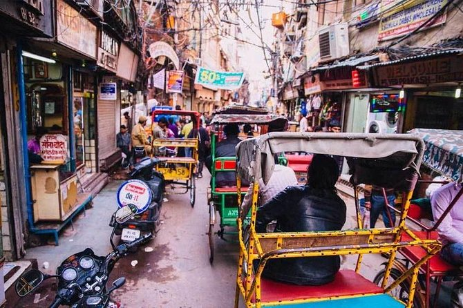 Private Walking Tour of Old Delhi Bazaar with Hotel Transfer