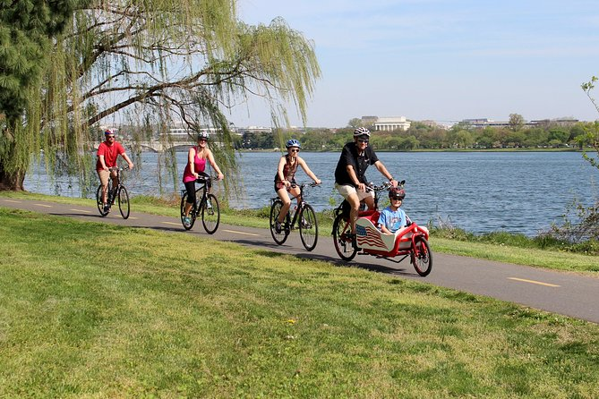Private Family-Friendly DC Tour by Bike