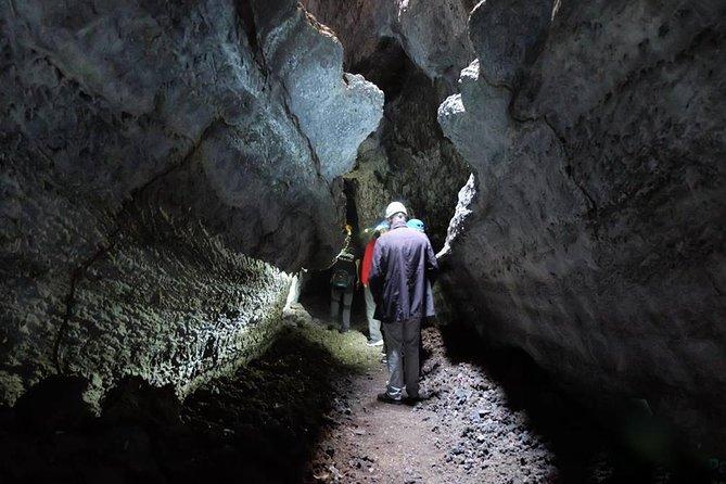 Speleology Tour in Cueva de Las Palomas in La Palma