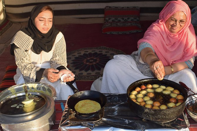 Desert Safari with BBQ Dinner - UAE Must Do