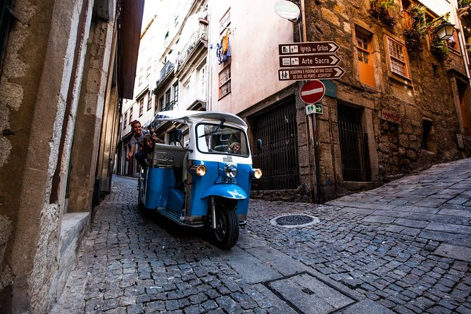 Porto Half-Day Tuk Tuk Private Tour with Lunch