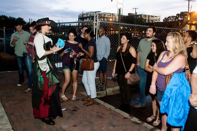 Haunted Old Town Alexandria Ghost and Pub Walking Tour