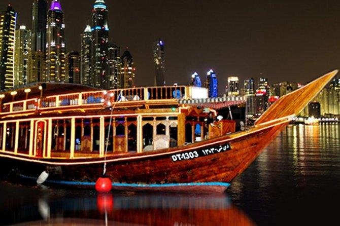 Dubai Marina: Dhow Cruise Dinner with Live Entertainment