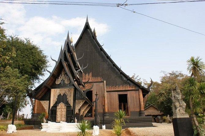 Full-Day Guided Tour of Chiang Rai Temples from Chiang Mai