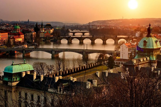 Sightseeing tour with Craft museum and Prague Castle