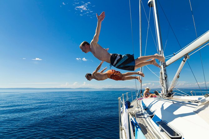 Hvar - Full Day Sail on a yacht - friendly skipper- small group - lunch optional
