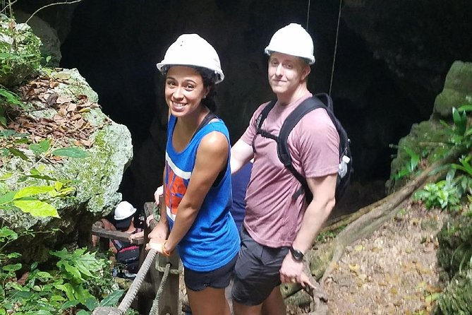 Window Cave and Indian Cave private tour with an archaeologist as guide