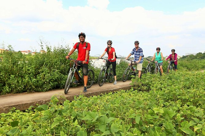 Hanoi's Outskirts Half-Day Tour by Bike