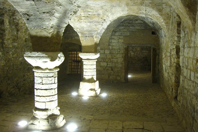 Prague Oldtown, Medieval Underground and Dungeon historical Tour
