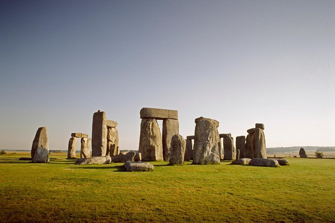 Stonehenge Half- Day Tour from London with Admission