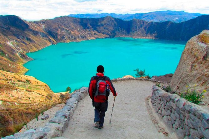 2-Day Tour of Cotopaxi Volcano and Quilotoa Lagoon with hotel
