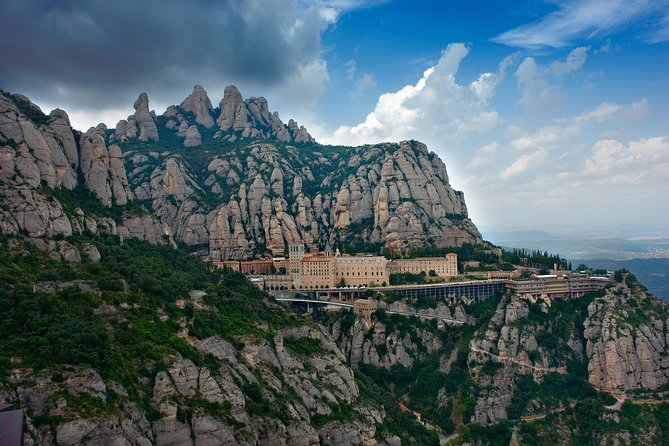 Half-Day Tour to Montserrat from Barcelona with Cable Car and Easy Hike