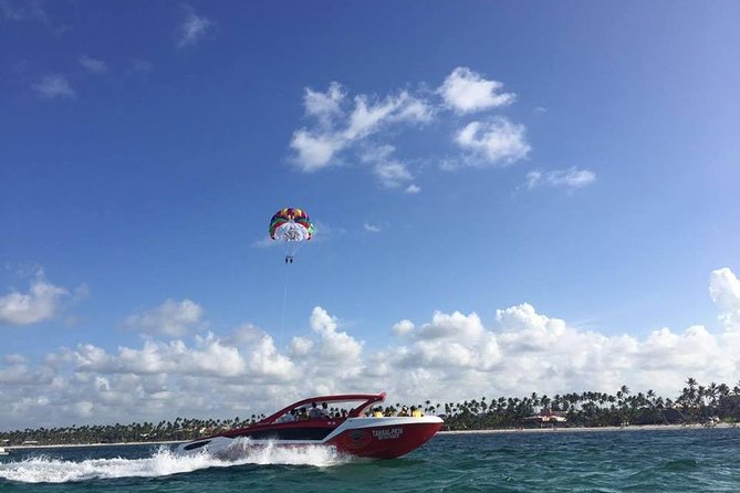 Parasailing Experience on Punta Cana Yacht for 2 passengers