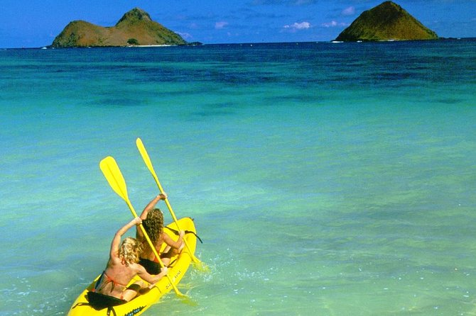 Kailua Beach Self-Guided Kayak Adventure to the Mokulua Islands