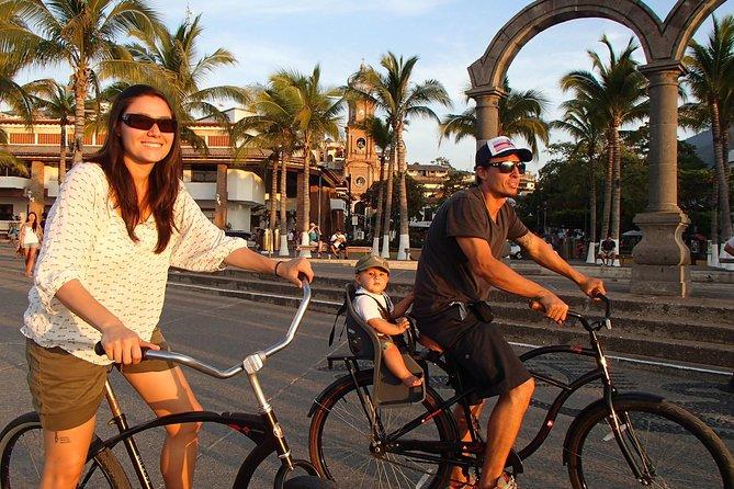 Private Tour in El Malecon Boardwalk Bike Ride