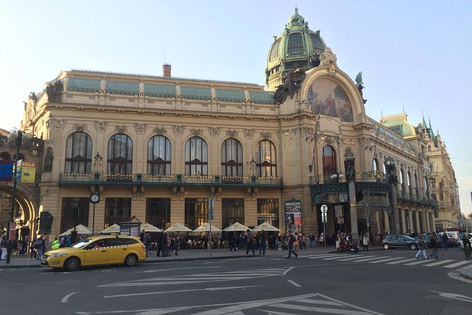 Private Walking Tour in Prague: Old Town with Jewish Quarter and Lower New Town