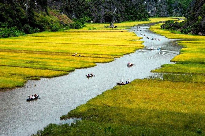 Full-Day Hoa Lu and Tam Coc - Mua Cave DELUXE Tour from Hanoi Including Lunch