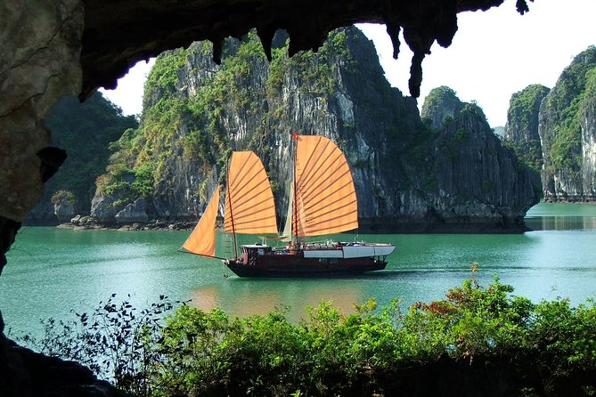 Halong Bay Day Cruise from Hanoi