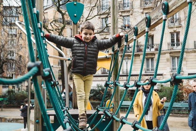 Bonjour Paris! Your Fun Family Intro Private Tour