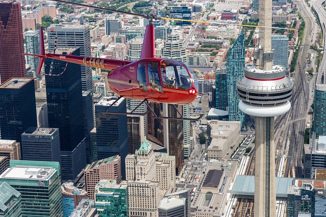 7-Minute Helicopter Tour over Toronto with a Souvenir Photo