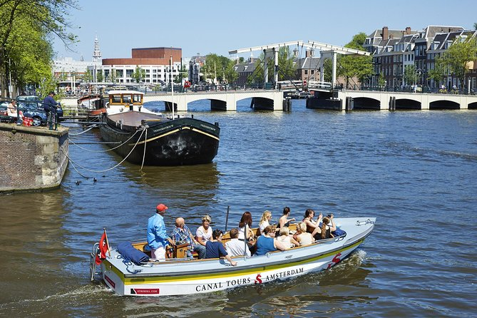Amsterdam off the beaten track - small group - Open boat tour