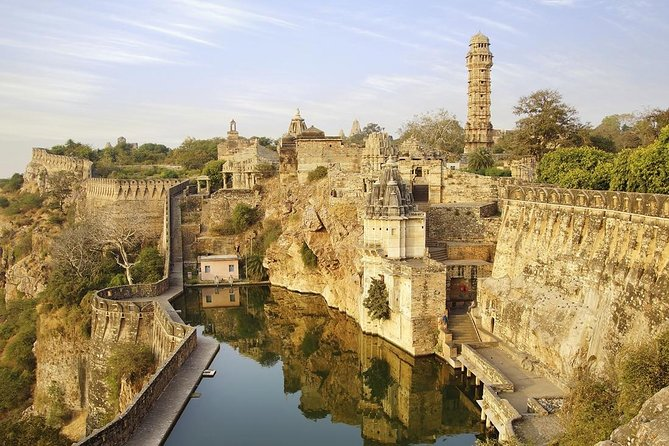 Guided Tour to Chittorgarh Fort From Udaipur with transfers