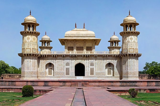Tomb of Itimad-ud-Daulah Skip-the-Line E-tickets & guide