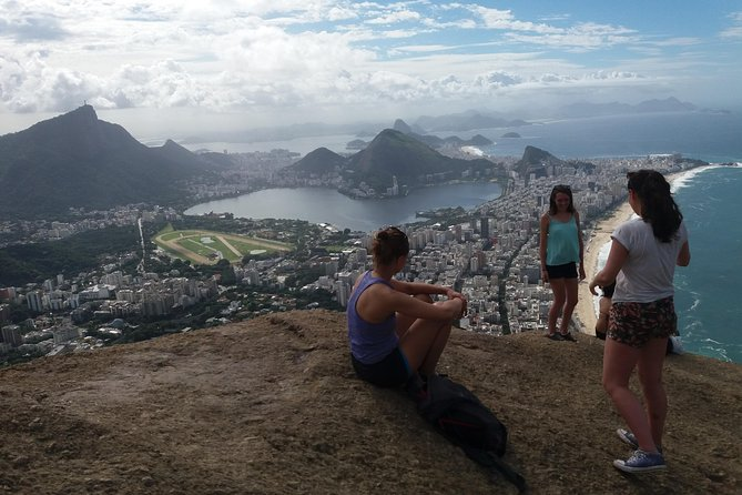 Biking and Hiking Tour from Copacabana to Two Brothers Hill