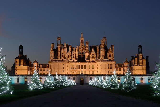 Loire Valley Private Day Tour Castles & Wines Discovery from Paris