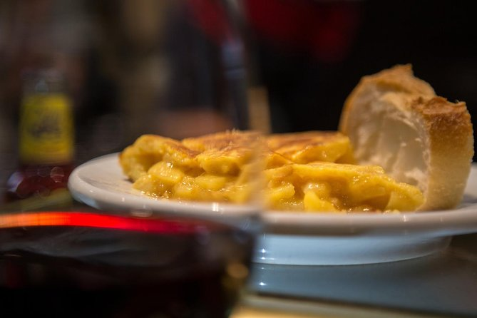Madrid Historical Walking Tour with Wine and Food Tasting