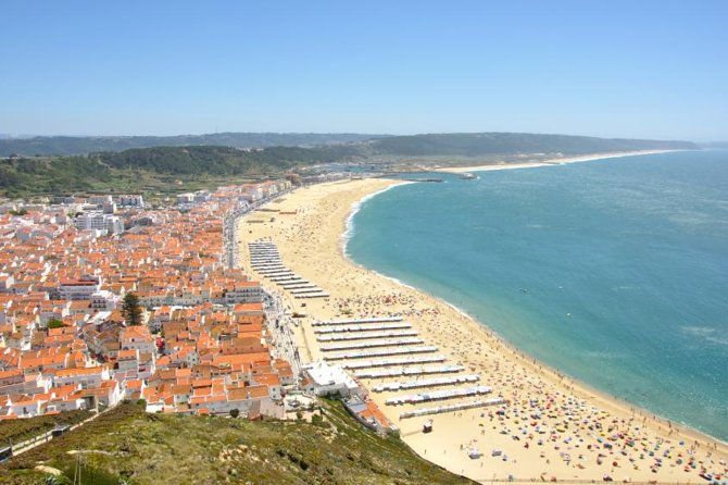 Private Tour to Fátima, Alcobaça or Batalha, Nazaré and Óbidos