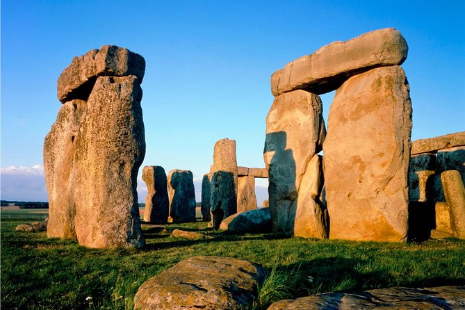 London Super Saver: Stonehenge Express and London by Night Sightseeing Bus