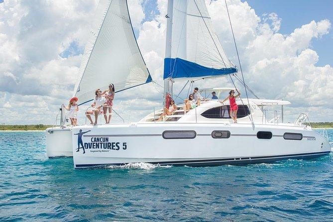 Riviera Maya Luxury Catamaran and Snorkeling, Lunch & Drinks Included
