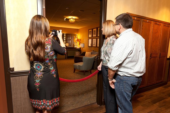 Grand Ole Opry House Guided Backstage Tour in Nashville