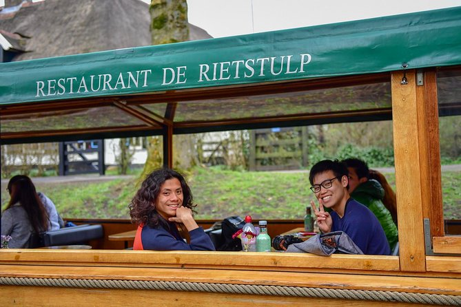 Giethoorn Small-Group Day Trip from Amsterdam With Boat Cruise