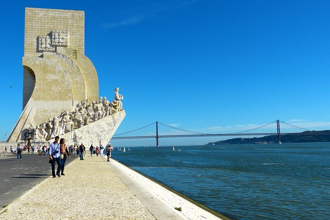 Discovering Lisbon City (4 hours) - Private Luxury Sedan or Minivan