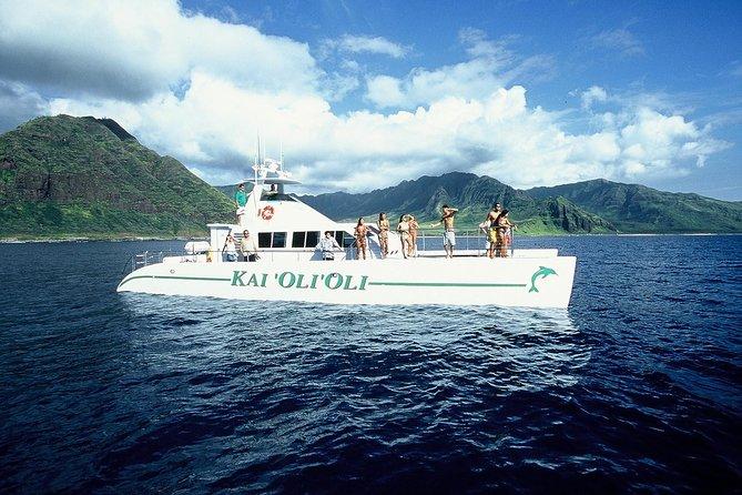 Oahu Catamaran Cruise: Wildlife, Snorkeling and a Hawaiian Meal