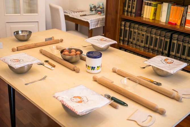 Private pasta-making class at a Cesarina's home with tasting in Arezzo