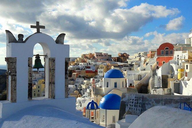 Private Classic Santorini Panorama: Visit the most popular destinations!